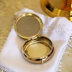 eucharist-706654_640